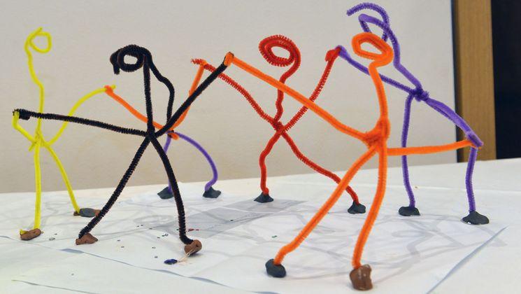 Tanzende Pfeifenfiguren