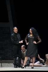 Lucio Gallo (Escamillo), Anita Rachvelishvili (Carmen) und Ensemble