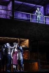 Susanne Elmark (Inanna), Otto Katzameier (Der Tod) und Ensemble