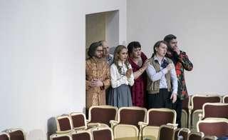 Lauri Vasar (Don Carlos), Stephan Rügamer (Don Jerome), Aida Garifullina (Luisa), Violeta Urmana (Die Duenna), Bogdan Volkov (Don Antonio) und Goran Jurić (Mendoza)