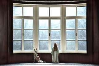 Sarah Grether (Weiße Gazelle) und Camilla Nylund (Die Kaiserin)