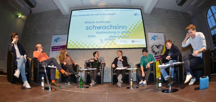comeback 2019 Rückkehr-Event im Europäischen Solidaritätskorps. Blick aus dem Publikum auf die RednerInnen auf der Bühne.